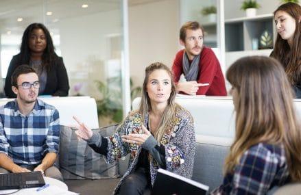 Pourquoi installer une cloison phonique dans des bureaux ?